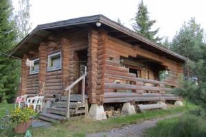 Vapaa-ajan asunto, vanhat maatilan rakennukset ja metsää, 62.000 €